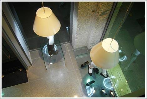 Agencement du magasin de chaussures de luxe Glitter : vue de la mezzanine