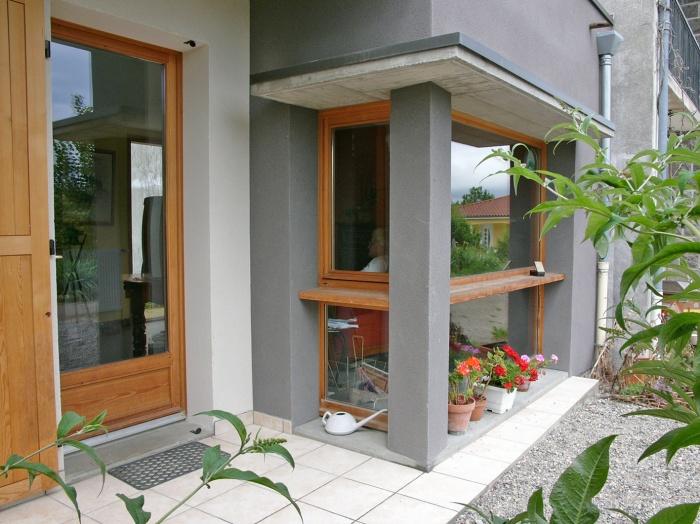 Rénovation et extension écologique très haute performance énergétique. : Détail façade sud