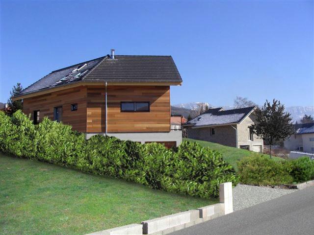 Maison ossature bois en Savoie : Depuis l'accès