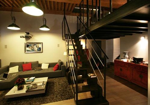 Rénovation appartement avec plusieurs niveaux : appartement-renove-croix-rousse-mezzanine-acier2