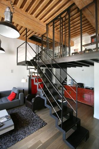 Rénovation appartement avec plusieurs niveaux : appartement-renove-croix-rousse-mezzanine-acier3
