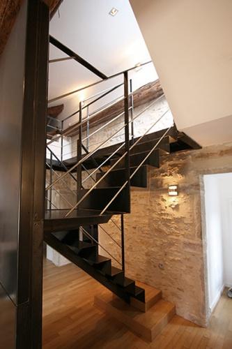 Rénovation d'un appartement en duplex avec terrasse de toit : galerie-appartement-16-terrasse-pierre-acier-5