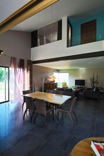 Maison contemporaine bois & béton : 08_VANE.jpg