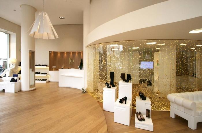 Boutique de chaussures haut de gamme au Maroc : Io-casablanca-11
