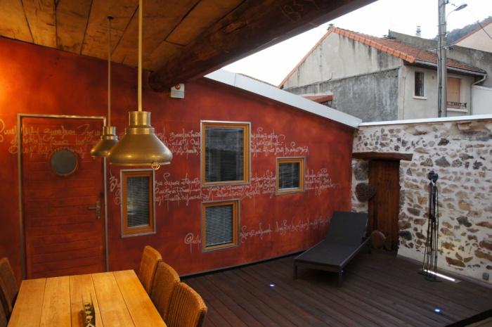 Réhabilitation d'une grange en patio et chambre d'ami
